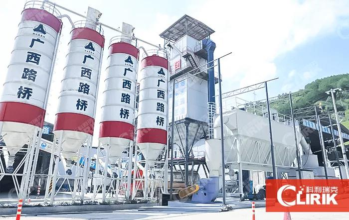 What is driving the increase in the output of asphalt mixing plants?